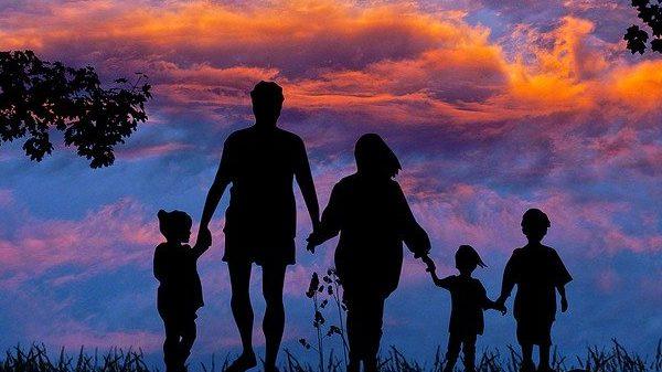 בין הורים לילדים - כבוד ועצמאות
