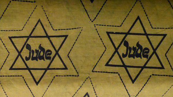 """""""פנים בפנים"""" – על יום השואה"""