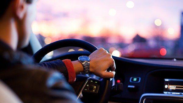 האם מותר לחסום כבישים?