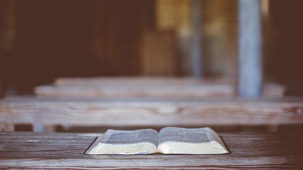 """מה הבעיה בהצגה סאטירית של סיפורי התנ""""ך?"""